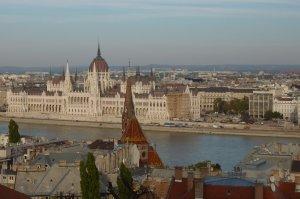 Budapest: Blick auf das Parlamentsgebäude